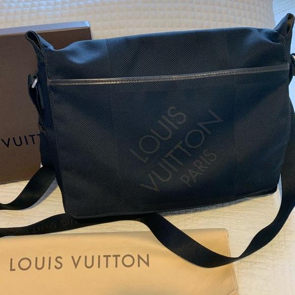 Louis Vuitton Other - Louis Vuitton Damier Messenger Bag